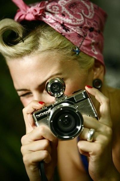arhiv-fotografiy-nevernih-russkih-zhen-s-fotoapparatov